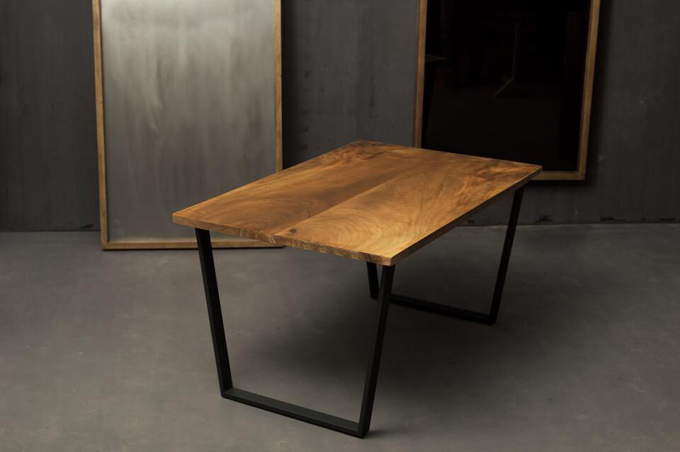 Esstisch 144x80x76 cm, Walnuss, Trapez-Beine